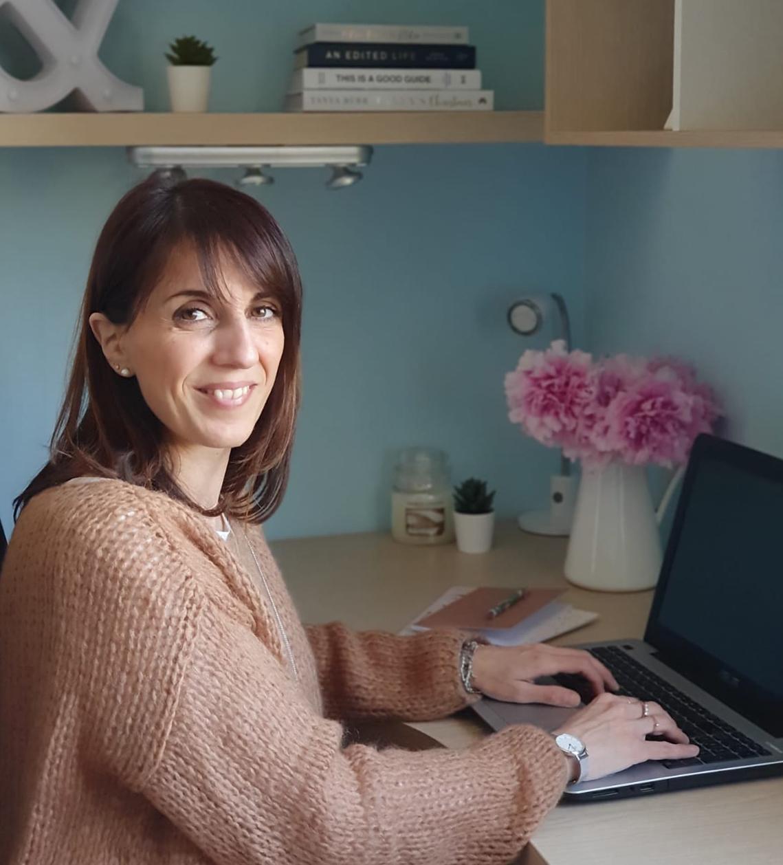 HAPPINESS RETREAT   La Psicologia Positiva per una vita felice a cura di Anna Cascone